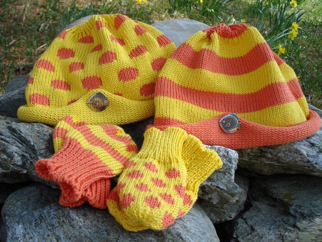 Kids hat and mitten set with pewter fish pin